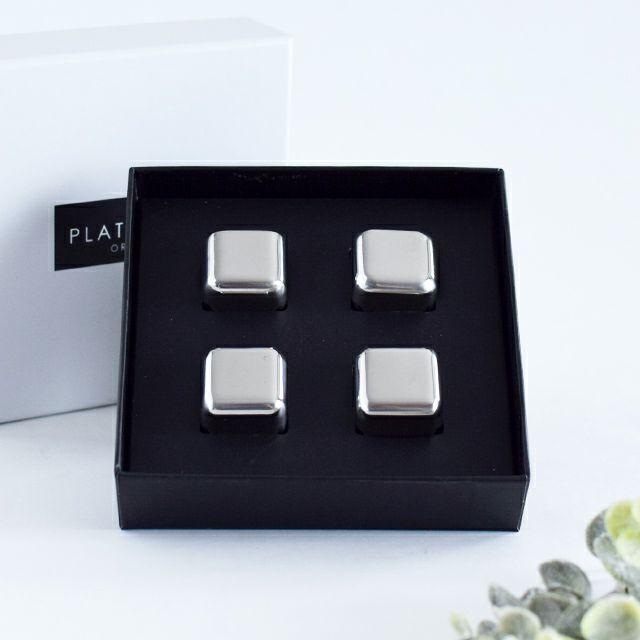 氷のように溶けないのに飲み頃温度を長時間キープするアイスキューブ4Pセットは贈り物に最適セット
