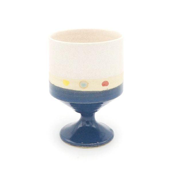 個性的なワインカップで楽しむ
