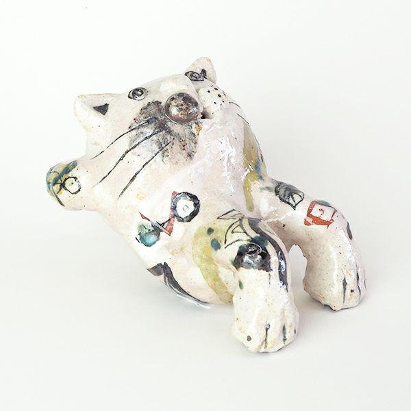 独特な世界観を楽しめる佐藤大士さんの猫 置物