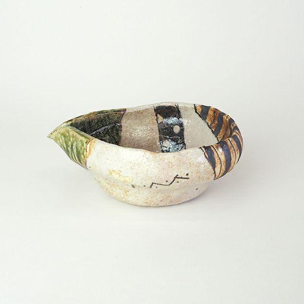 モダンでポップなデザインの佐藤正士さんの片口小鉢