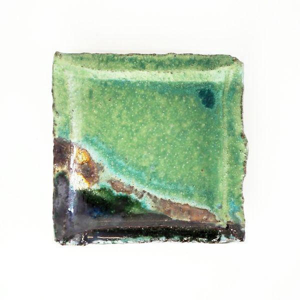 阪本健さんの独特な風合いが楽しめる錆織部 四寸角皿