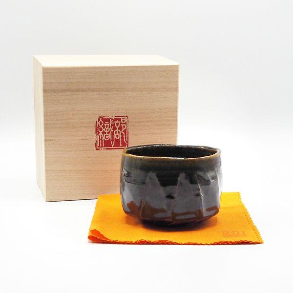 奥村博昭さんの織部抹茶碗